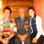 Асгат Митргалиевич с дочкой и внучкой